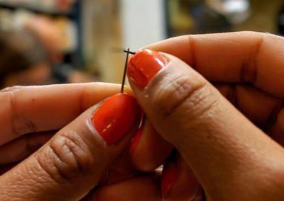 Atelier Luce - Maison Bijoux-Accessoires Cuir Bordeaux Enfilage